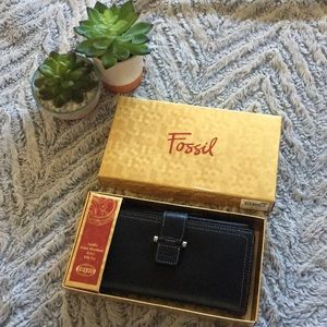 Fossils Leather Wallet Black in Box NWT